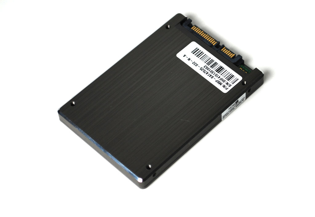 big_mtron-32gb-ssd-back.jpg