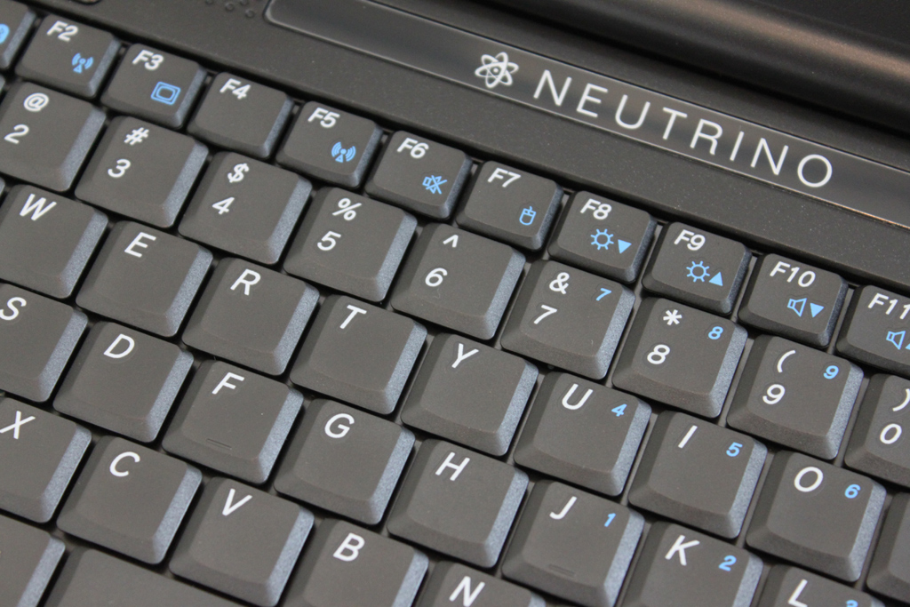 OCZ Technology Neutrino Netbook Review