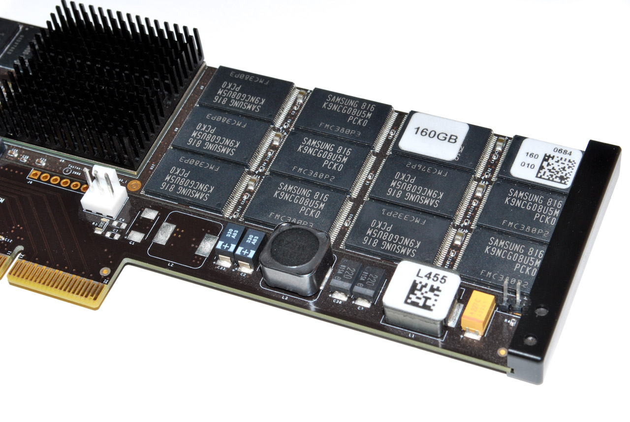 big_fusion-io-card-ram-chips.jpg