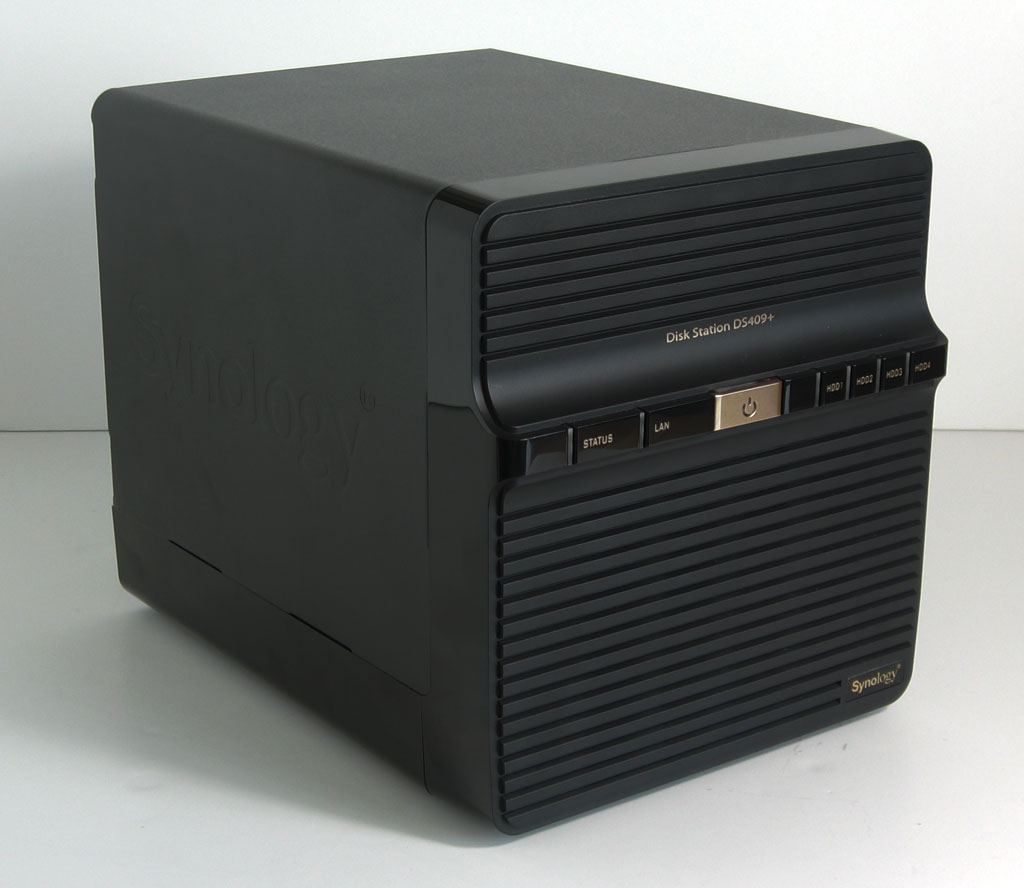 big_synology-ds409-plus-angle-view.jpg