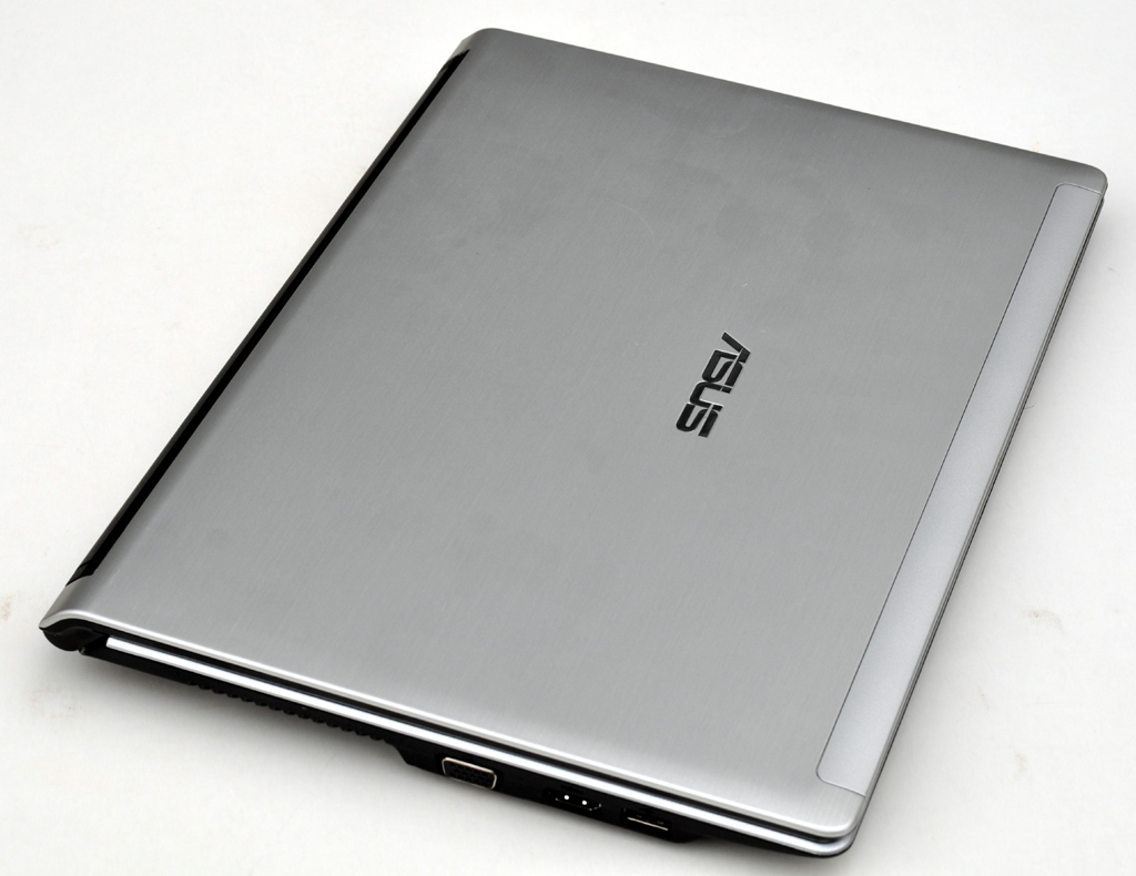 "Asus 13.3"" UL30A CULV Notebook Review"