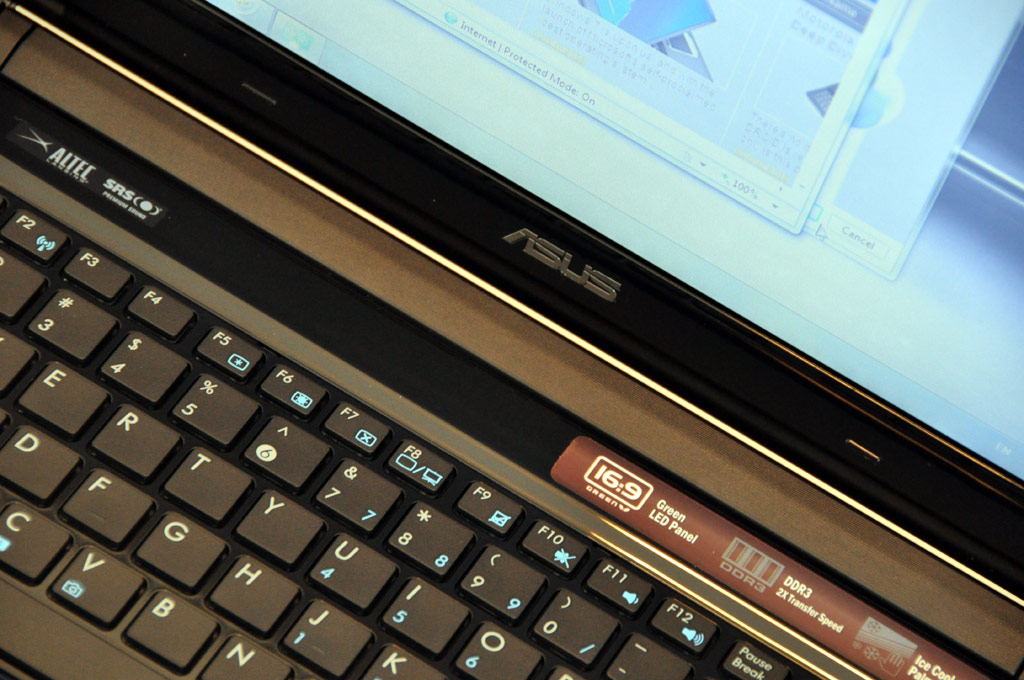 Asus UL80Vt Thin-And-Light Notebook Review