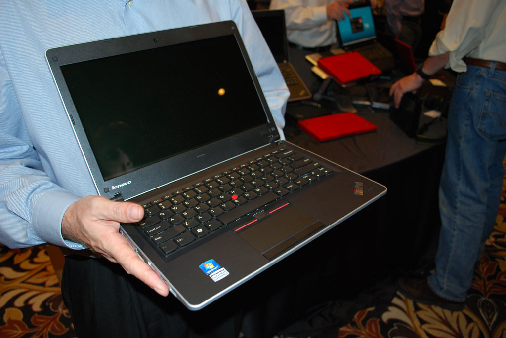 big_thinkpad-edge3.jpg