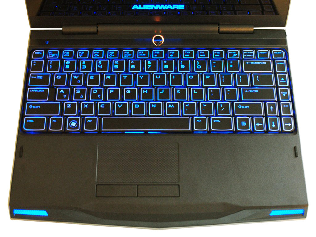 big_alienware-m11x-8x.jpg