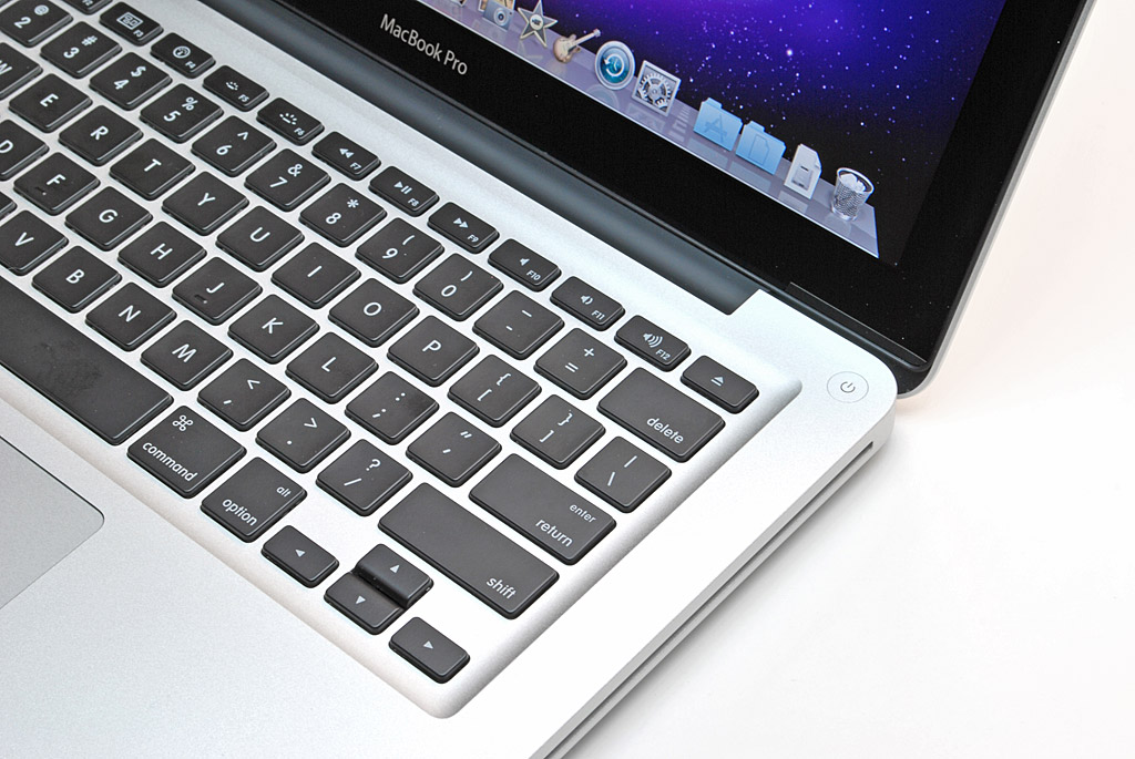 big_macbook-pro-13-power-button-keyboard.jpg