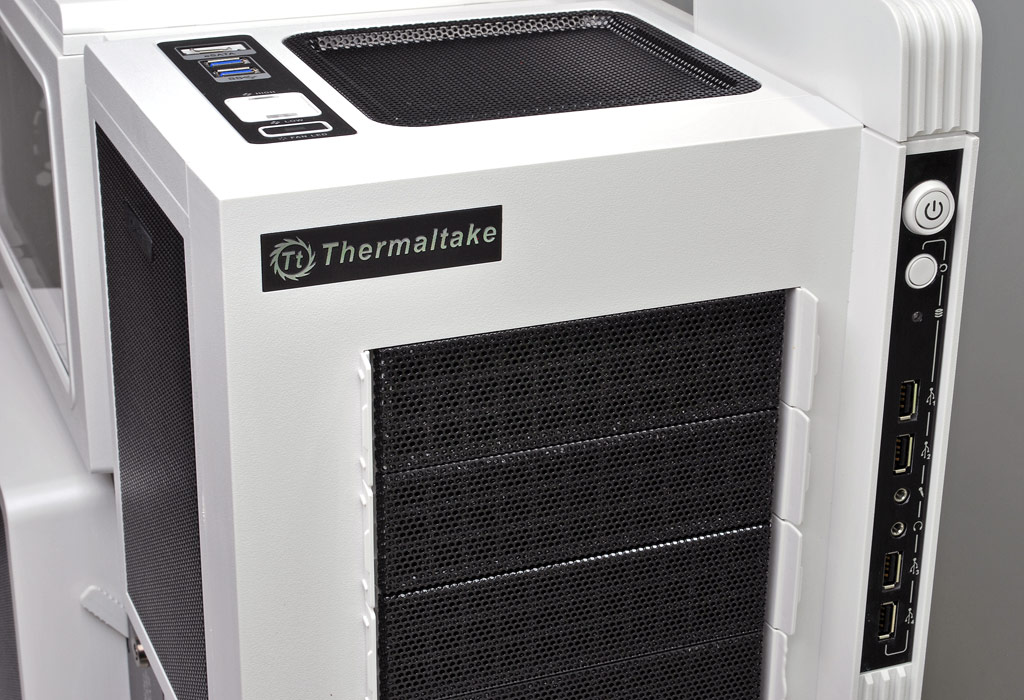 Striking Looks: Thermaltake Level 10 GT Snow Edition