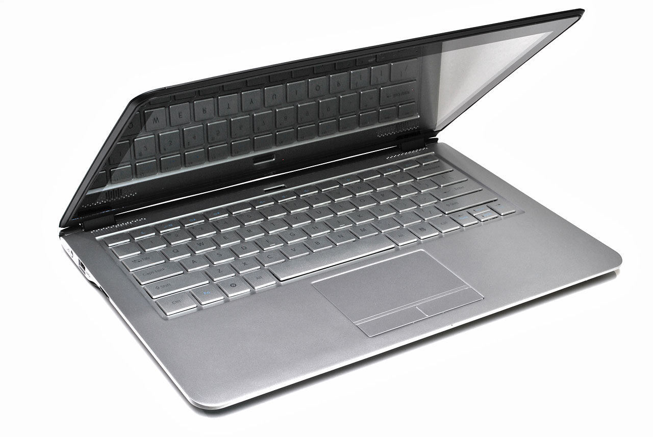 big_intel-ultrabook-screen-off.jpg