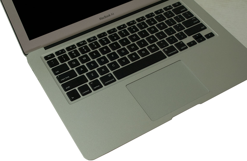 big_macbook_air_trackpad.jpg
