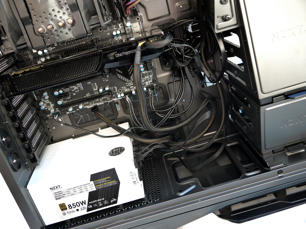 big_nzxt-phantom-820-24.jpg