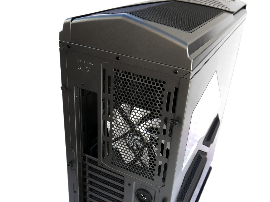 big_nzxt-phantom-820-9.jpg