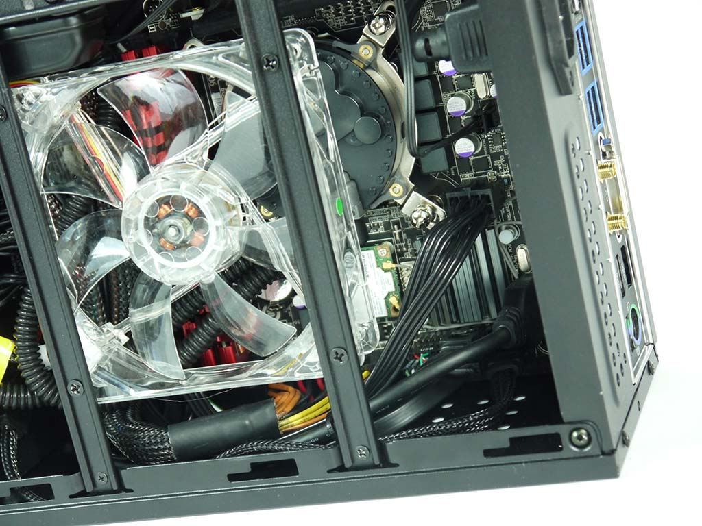 CyberPowerPC Zeus Mini-I 780 SFF Gaming PC Review