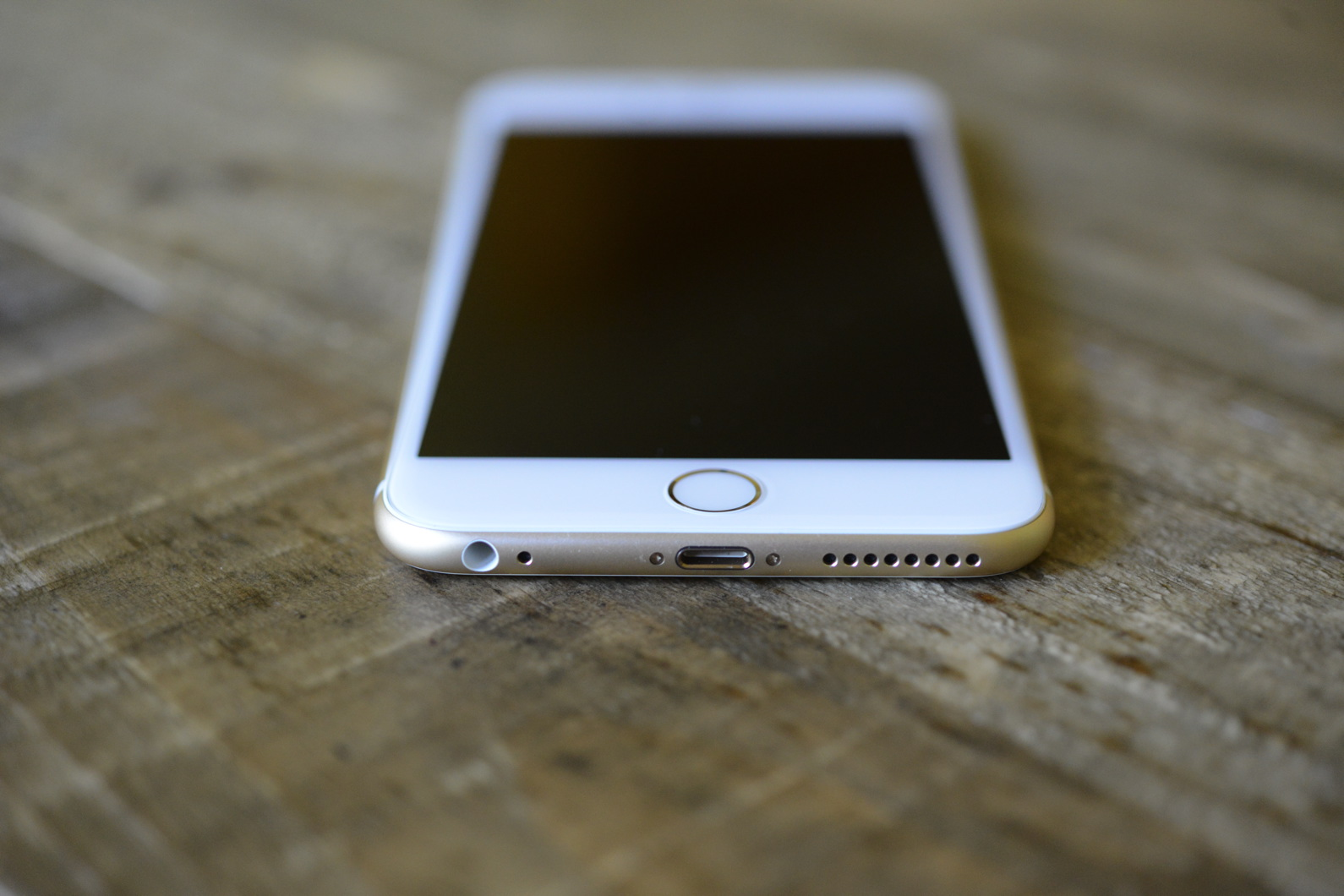 big_iphone6plus-hands-on_2692.jpg