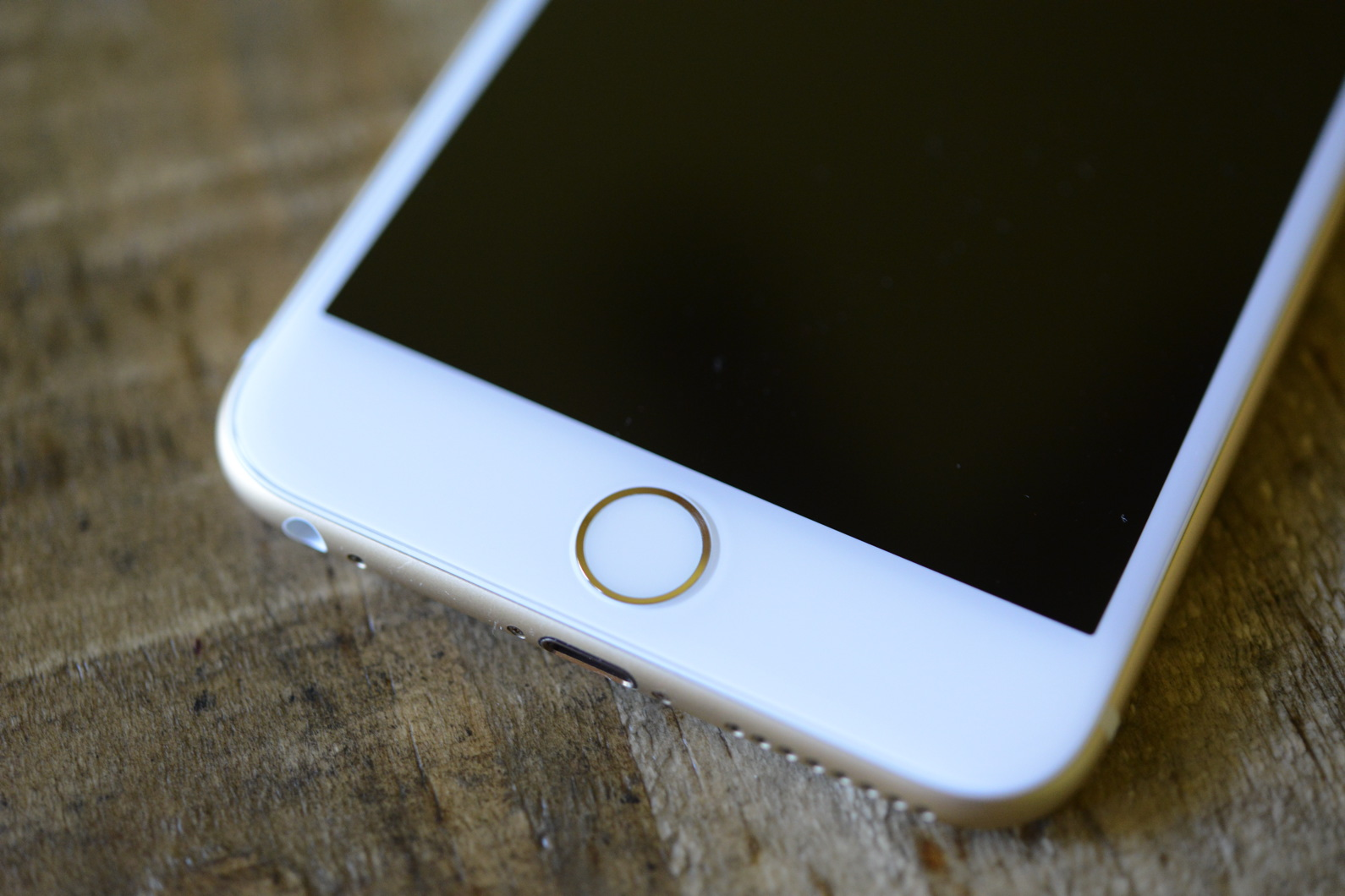 big_iphone6plus-hands-on_2693.jpg
