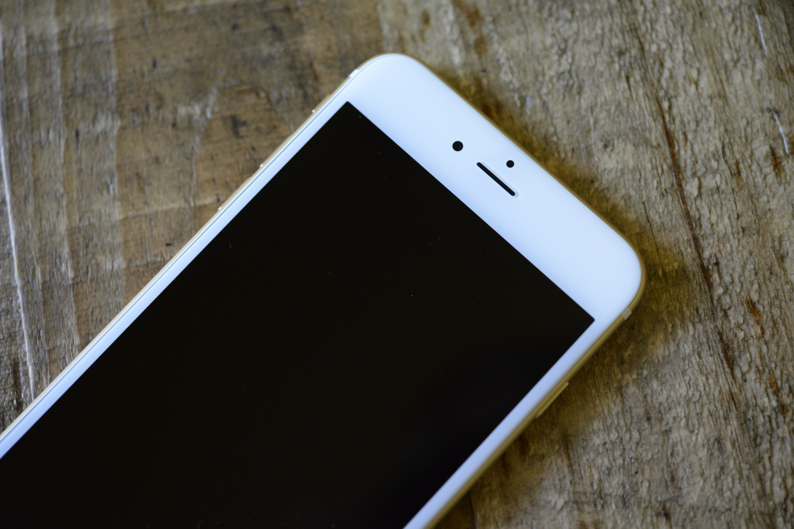 big_iphone6plus-hands-on_2695.jpg