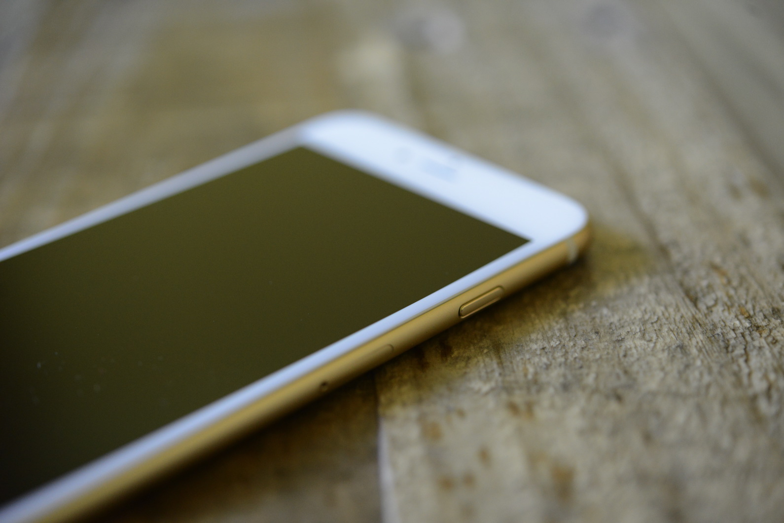 big_iphone6plus-hands-on_2696.jpg