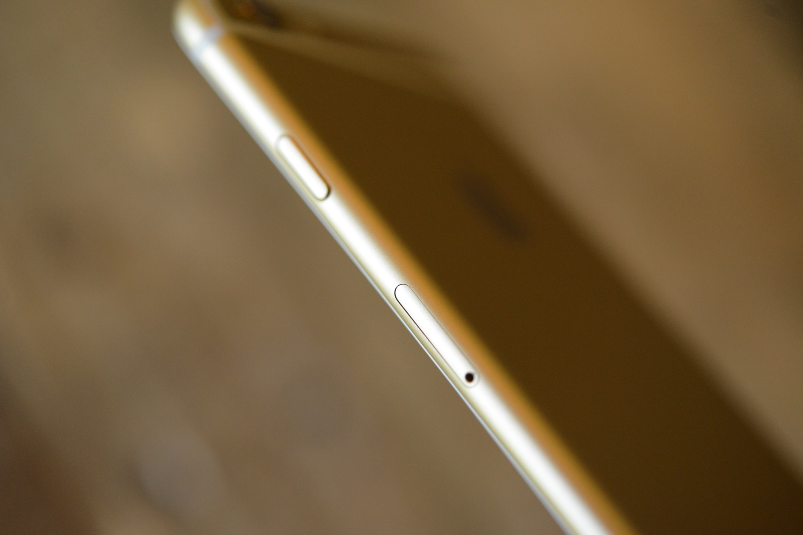 big_iphone6plus-hands-on_2742.jpg