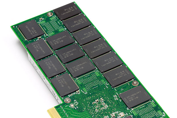 Intel SSD 750 Flash Chips