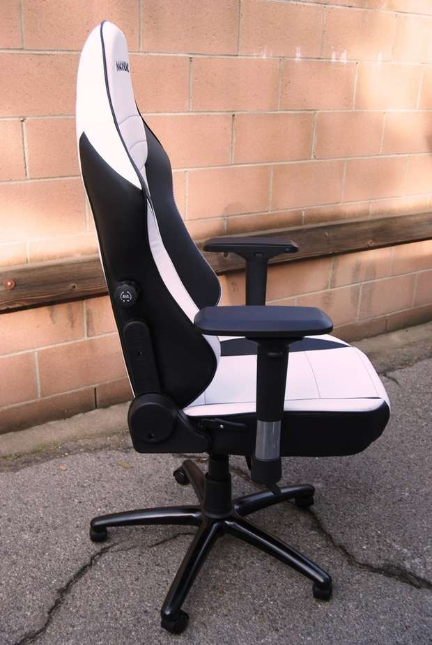 Maxnomic Commander S Bwe Pc Gaming Chair Review In The