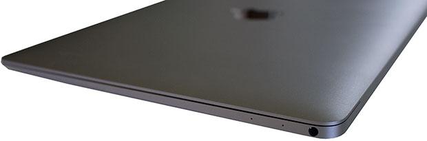 Apple MacBook Right Side