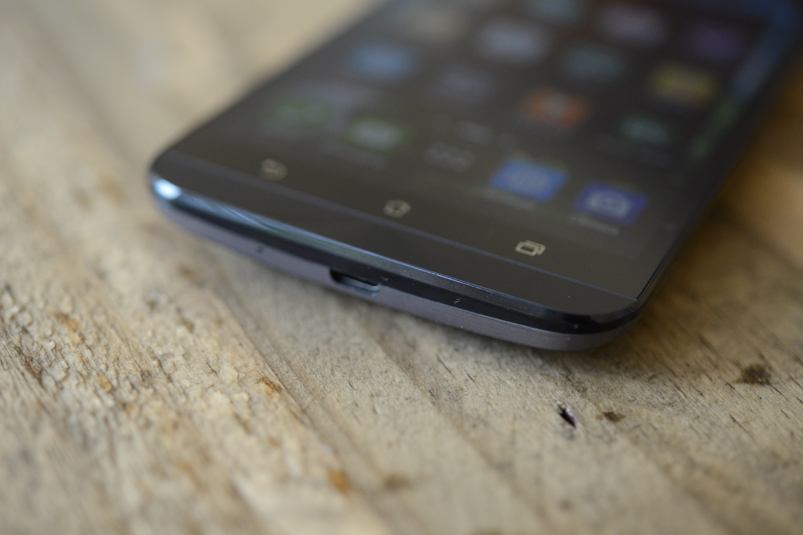 big_zenfone-2-hands-on_4630.jpg