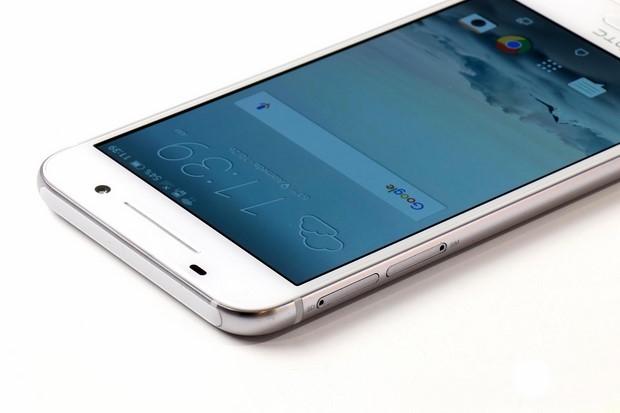HTC One A9 Top Edge