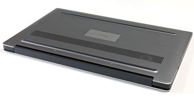 Dell XPS15 bottom