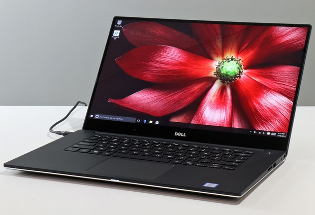 Dell XPS15 front lid open