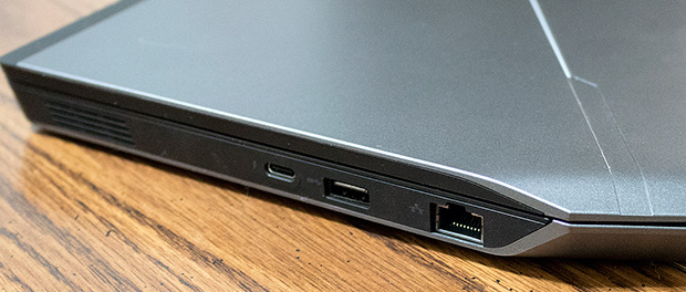 Alienware 13 R2 Ports Right Side