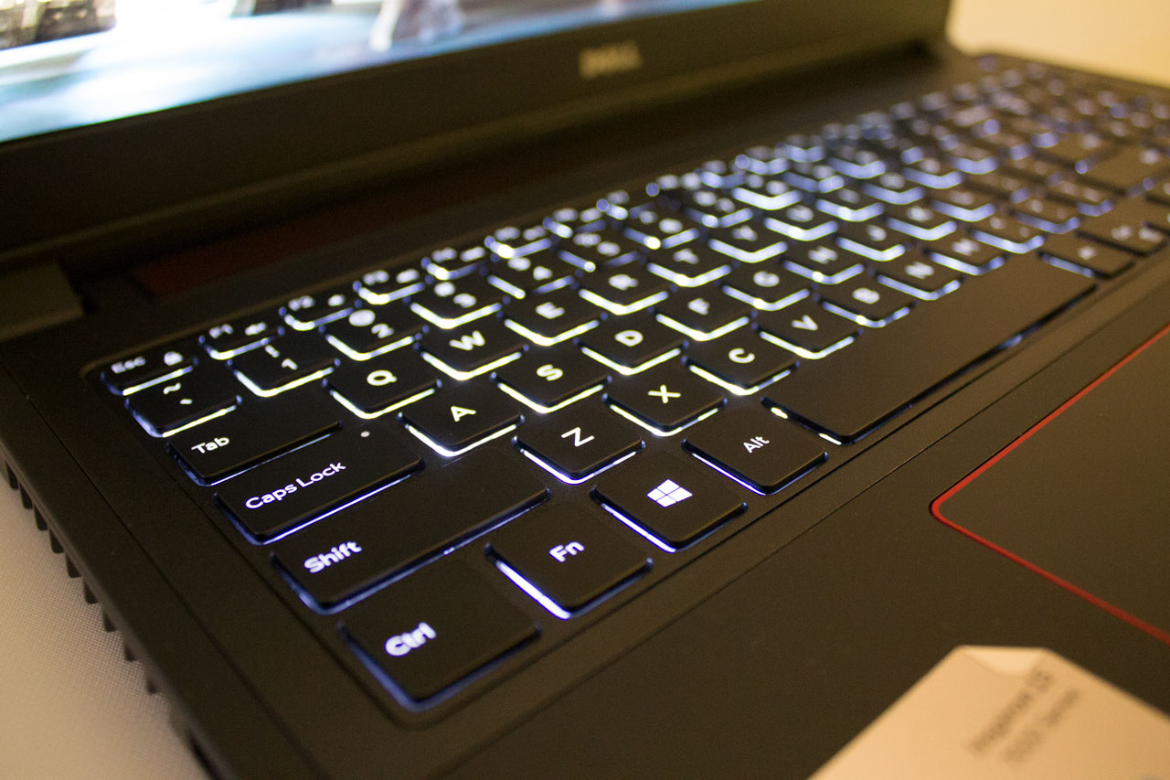 big_kybrd1_dell-inspiron-15.jpg