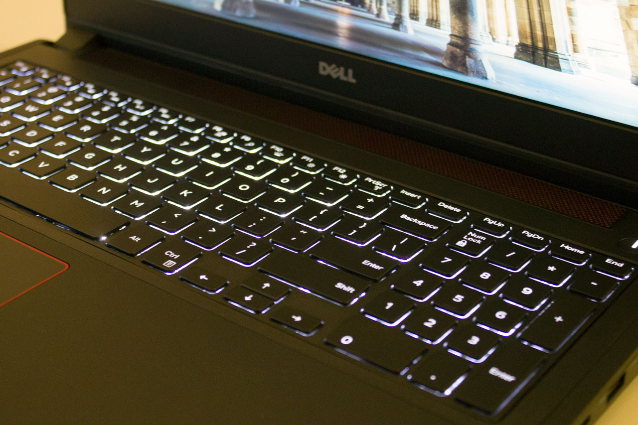 big_kybrd2_dell-inspiron-15.jpg