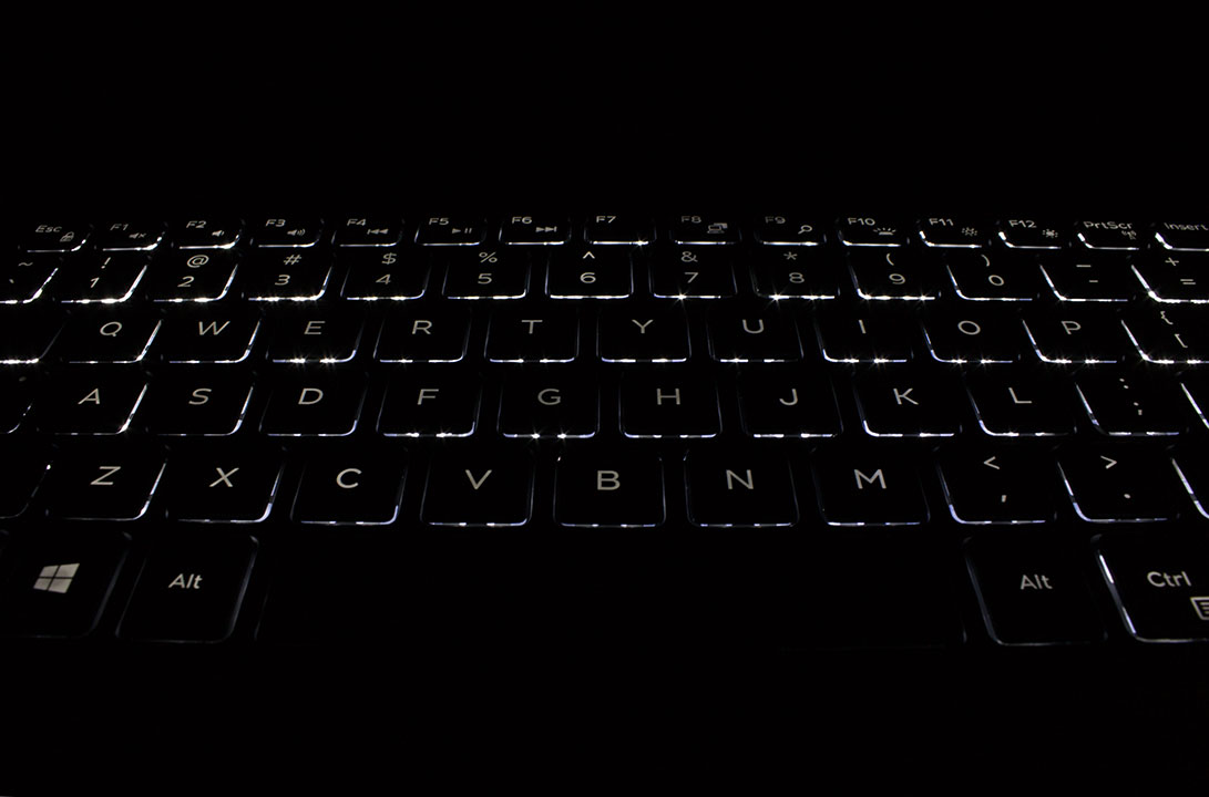 big_xps13-backlit-keys.jpg