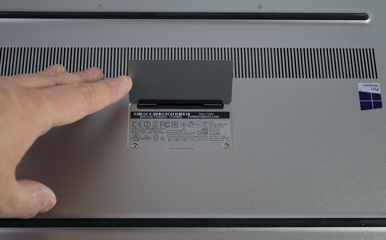big_dell-precision-15-5510-underside.jpg