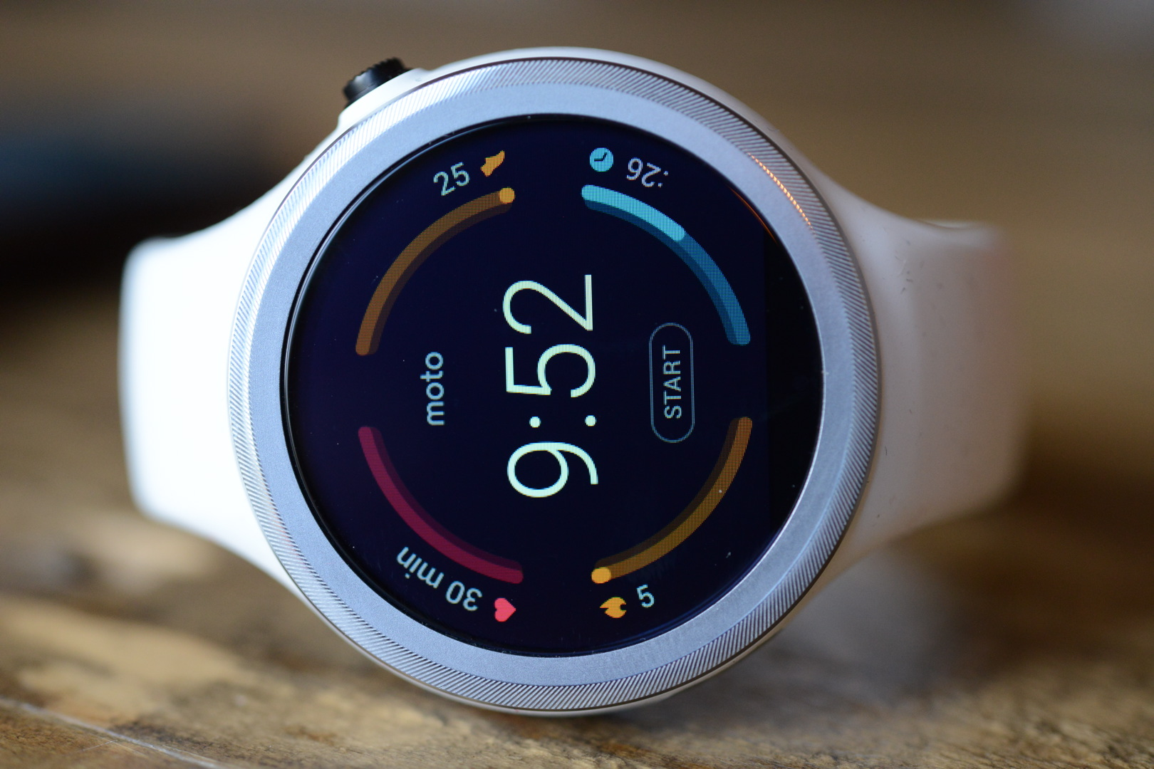 big_moto_360_sport_smartwatch_4385.jpg