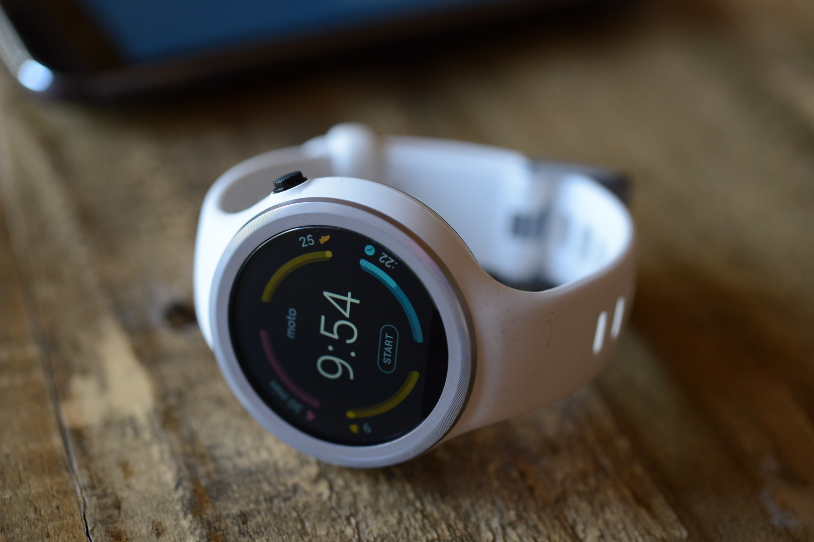 big_moto_360_sport_smartwatch_4392.jpg