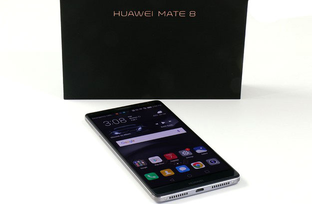 Huawei Mate 8 and Box