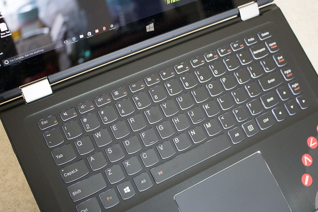 Lenovo Yoga 700 Review: A Flexible 14-Inch Ultraportable Convertible