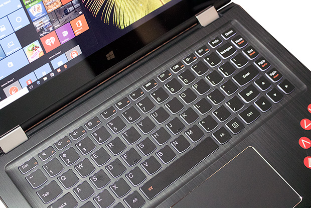 Lenovo Yoga 700 Keyboard Closeup