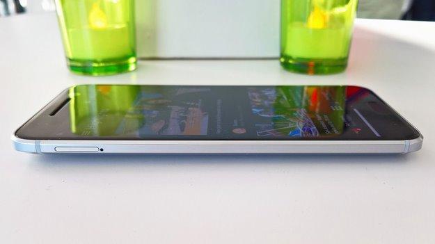 htc 10 smartphone 2