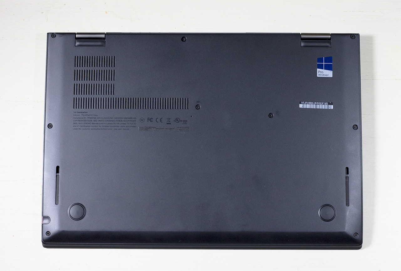 big_lenovo-thinkpad-x1-yoga-bottom-view.jpg