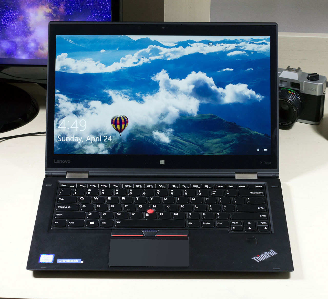 big_lenovo-thinkpad-x1-yoga-full-inside.jpg