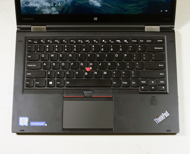 lenovo thinkpad x1 yoga keyboard closeup