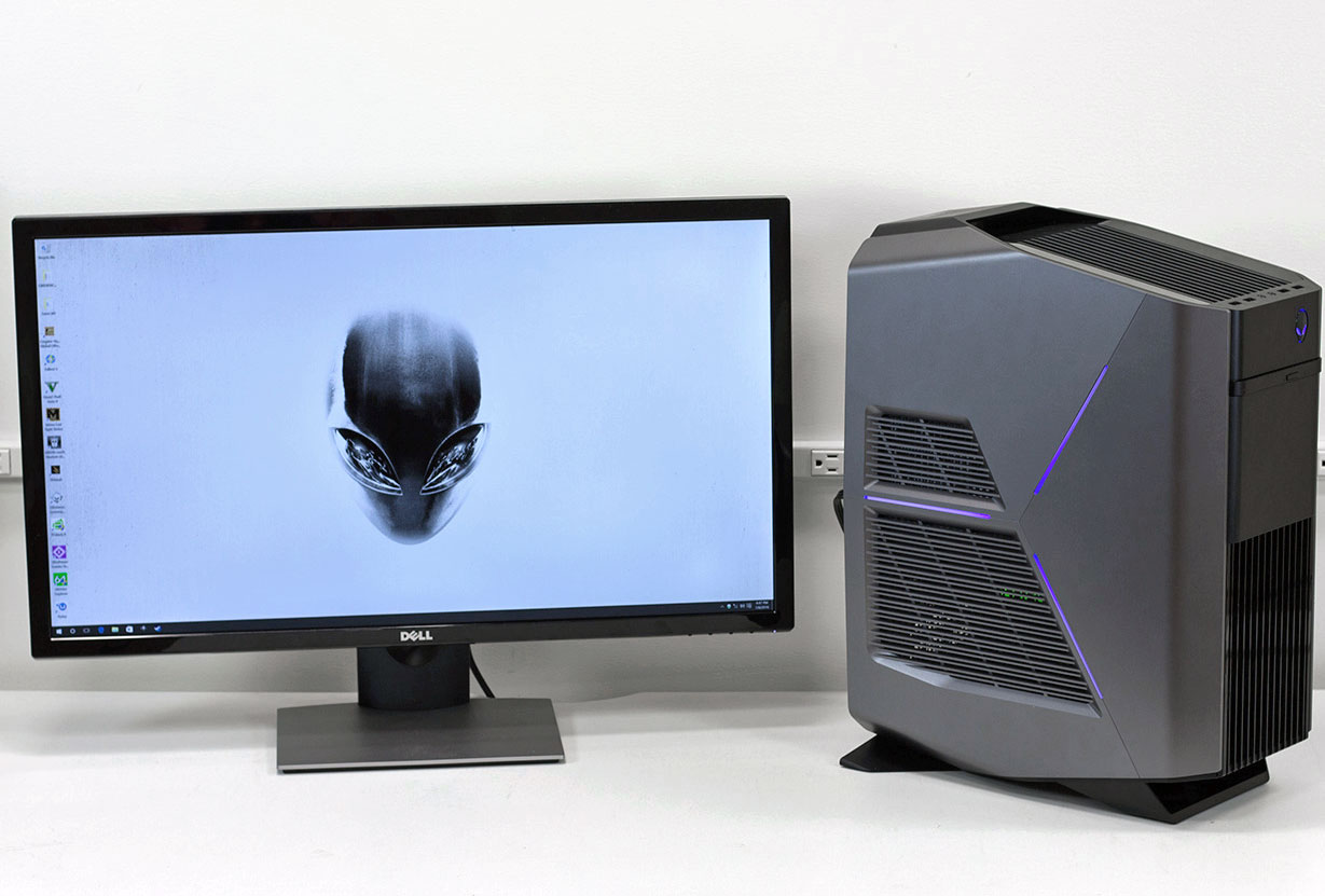 big_alienware-aurora-r5-three-quarters-and-desktop.jpg