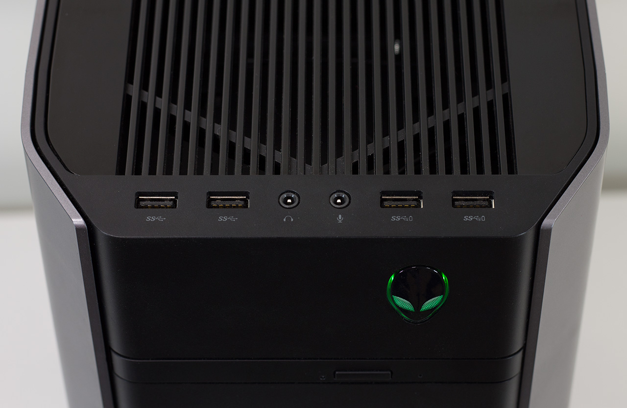 big_alienware-aurora-r5-top-front-io.jpg