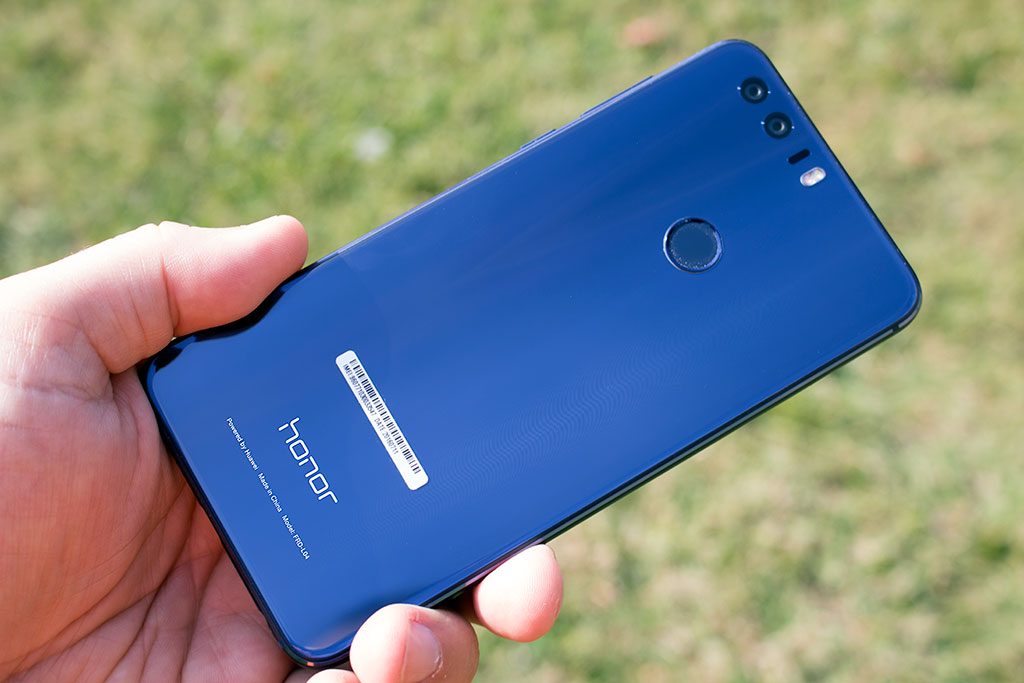 Huawei Honor 8 Review: A Stylish, Affordable Android Smartphone
