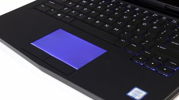 Alienware 13 trackpad lit