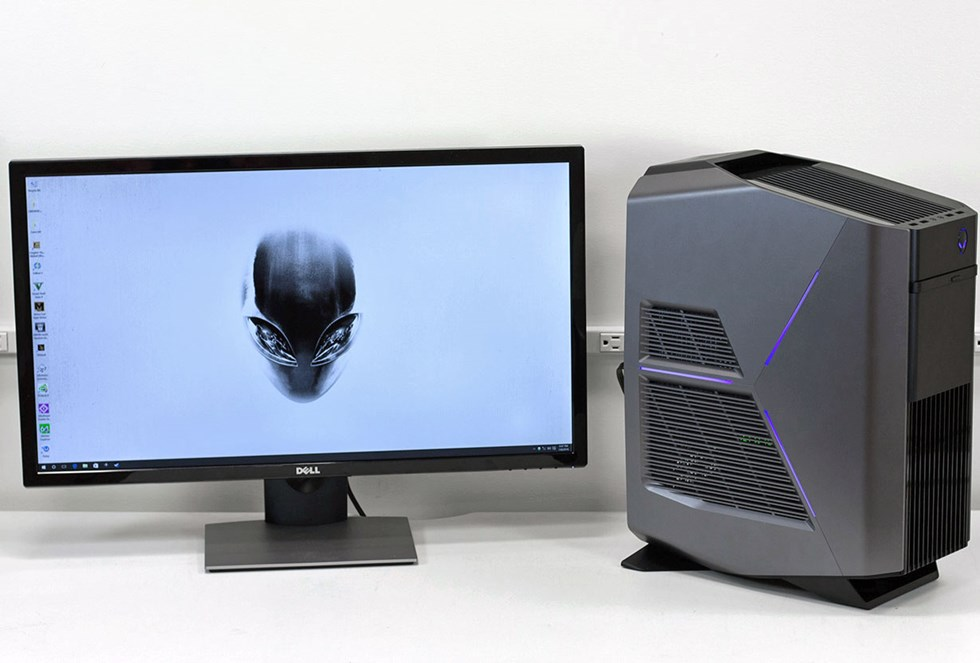 alienware aurora r5 three quarters and desktop jpg