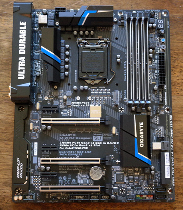 small1 Gigabyte Z170X Designare layout1a