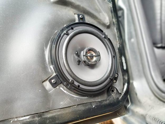 Jeep Project rear speaker