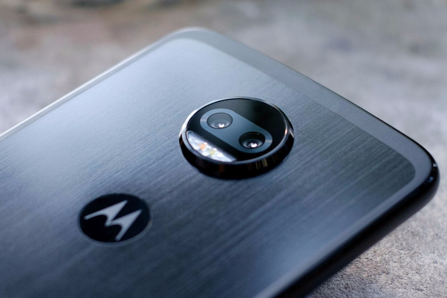 Moto Z2 Force Review: Shatterproof, Modular Android