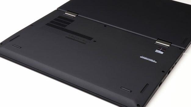 Lenovo X1 Yoga OLED gen2 bottom